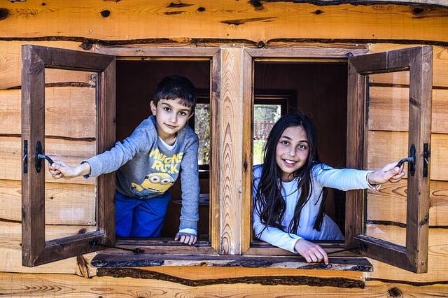 kids in playhouse
